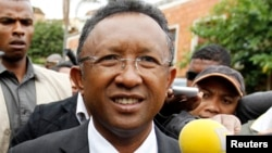 Hery Rajaonarimampianina, dont l'investiture samedi a été endeuillée par un attentat