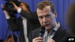 Дмитрий Медведев на встрече со сторонниками
