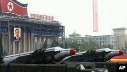 2010년 10월 노동당 창건기념 열병식에 등장한 북한 미사일. (자료사진)