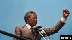 အသားအေရာင္ခဲြျခားမႈဆန္႔က်င္ေရးလႈပ္ရွားမႈေခါင္းေဆာင္ Nelson Mandela