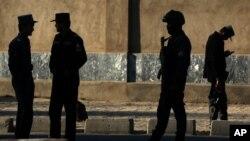 Polisi Afghanistan melakukan patroli di Kabul, Afghanistan (foto: ilustrasi).