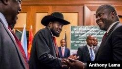 Perezida Salva Kiir wa Sudani y'Epfo, na Riek Machar amurwanya, bari mu biganiro i Khartoum