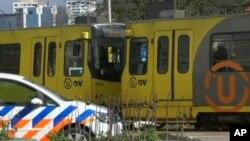 Hitne službe na mestu napada vatrenim oružjem na tramvaj, u Utrehtu, Holandija, 18. februara 2019.