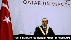 Katar Üniversitesi'nden fahri doktora alan Cumhurbaşkanı Erdoğan.
