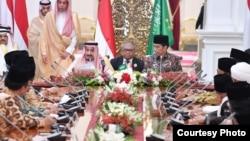 Pertemuan Raja Salman, Presiden Jokowi dan Para Tokoh Islam di Istana Merdeka Jakarta, Kamis 2/3 (Foto: Setpres RI).