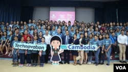 A group of girl innovators participated in the National Pitch for Technovation Cambodia at the Institute of Technology of Cambodia, May 20, 2018. (Nov Povleakhena/VOA Khmer)