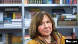 La escritora bielorrusa, Svetlana Alexievich, durante una feria de libros en Minsk, Bielorrusia.
