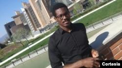 Jovani Fernandes, estudante de Ciência Política e Relações Internacionais na Universidade de Florença