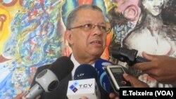 Embaixador Carlos Veiga, Cabo Verde