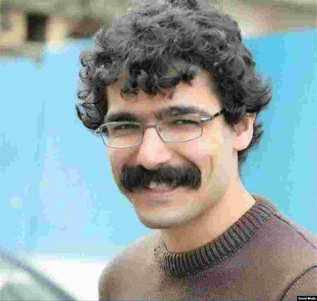 محمد شریفی مقدم، درویش گنابادی و از خبرنگاران سایت مجذوبان نور به ۱۲ سال زندان، شلاق و تبعید محکوم شده است.
