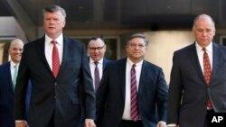 馬納福特的律師團隊抵達法庭。(2018年8月14日)