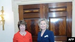 Sekretarja Klinton do të shkojë në Ballkan për të nxitur dialogun Serbi - Kosovë
