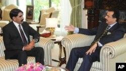 آئی ایس آئی کے نئے سربراہ کی وزیراعظم گیلانی سے ملاقات