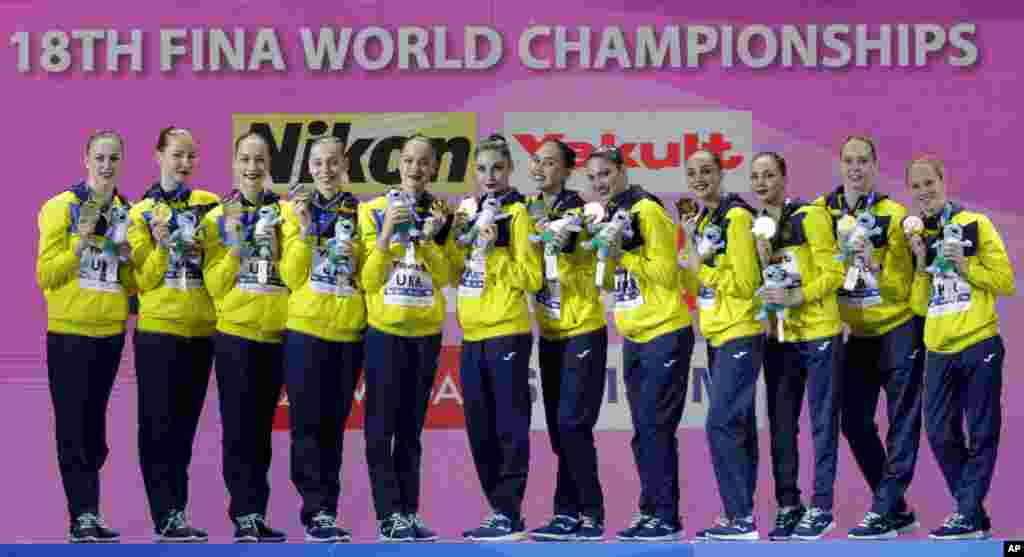 تیم ملی اوکراین توانست مدال طلای «شنای موزون» در مسابقات شنا و شیرجه جهانی در کره جنوبی را به دست بیاورد.