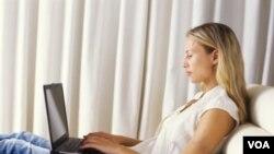 Dengan menelusuri blog-blog, perusahaan-perusahaan itu dengan mudah memperoleh calon pekerja potensial setelah mengamati isi blog mereka.
