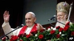 Pope Francis ligel Patrayark Bartholomew