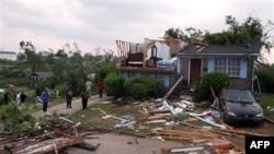 SHBA: Mbi 300 të vdekur nga stuhitë në jug të vendit