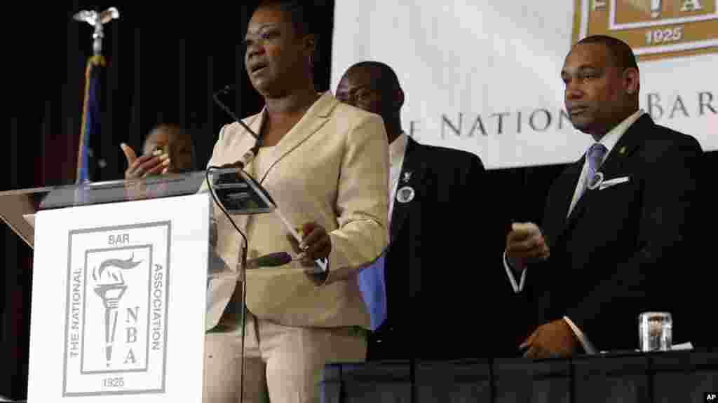 La mère de Trayvon Martin, Sabrina Fulton, lors d'une conférence de presse, le 29 juillet 2013.
