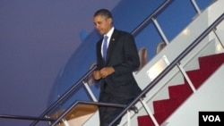 Presiden Barack Obama saat tiba di Bali, Kamis (17/11).