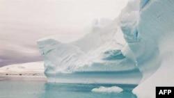 Ekspeditë shkencore për të studiuar shtresën e akullit në Antarktidë