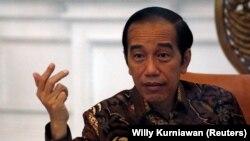 Presiden Joko Widodo kembali mengenakan larangan mudik lebaran tahun ini, karena pandemi masih belum usai.