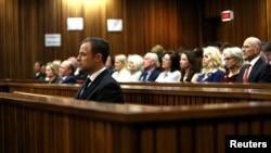 ေတာင္အာဖရိက ေျခတုတပ္ အေျပးခ်န္ပီယံ Oscar Pistorius တရားခြင္ ။ (စက္တင္ဘာ ၁၂၊ ၂၀၁၄)