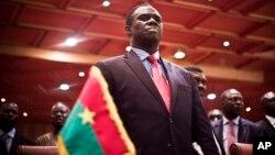 Presiden sementara Burkina Faso Michel Kafando dalam upacara serah terima resmi di ibukota Ouagadougou, Rabu (23/9).