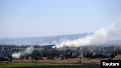 敘利亞和以色列之間的過境點附近冒煙