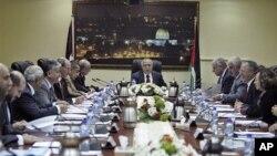 سیاسی اصلاحات کے لیے فلسطینی قیادت پر دباؤ