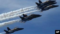 Los Blue Angels conforman un escuadrón de demostración de vuelo de la Armada de EE.UU. formado en 1946, tras la Segunda Guerra.