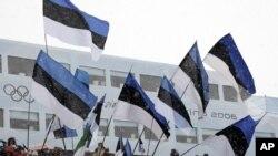 Des drapeaux estoniens