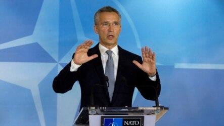 北约秘书长斯托尔滕贝格2015年10月8号在北约总部布鲁塞尔一次记者会上讲话.
