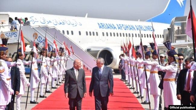 افغان صدر کو دورہ پاکستان کی دعوت وزیر اعظم عمران خان نے دی تھی۔