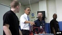Tổng thống Hoa Kỳ Barack Obama thăm trường Northern Virginia Community College ở Alexandria, bang Virginia, ngày 8 tháng 6, 2011.