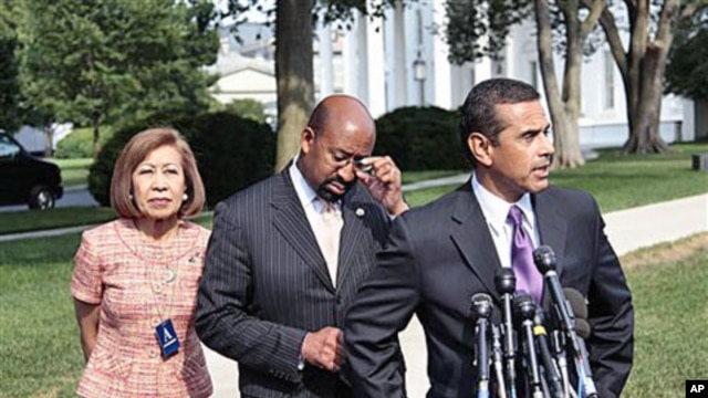 Mayors, from left to right, Elizabeth Kautz, Burnsville, Minnesota, Michael Nutter, Philadelphia, Pennsylvania, and Antonio Villaraigosa, Los Angeles, California, talk to the media following their meeting with President Barack Obama and Vice President Joe