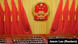 媒体观察:修宪异议:反对票和被删凤凰社评