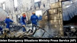 Los cuerpos de 16 de los 17 fallecidos ya han sido rescatados del edificio.