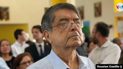 El escritor Sergio Ramírez en los funerales del poeta Ernesto Cardenal en Managua, Nicaraua, el 3 de marzo de 2020. Foto Houston Castillo, VOA.