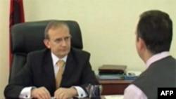 Ministri Tafaj: Sistemi arsimor po reformohet me programe mësimore
