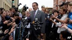 Walikota Washington DC, Vincent Gray memberikan keterangan pers mengenai insiden penembakan di markas AL AS di Washington, DC (16/9).