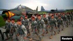 Американские военнослужащие из состава 173-й воздушно-десантной бригады