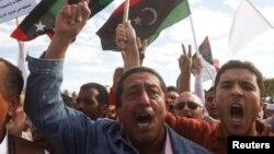 Ливийцы протестуют против бесчинств вооруженных формирований. Триполи. Ливия. 15 ноября 2013 г.