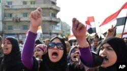 مصر میں حکومت مخالف مظاہرے تاحال جاری ہیں۔ (فائل فوٹو)