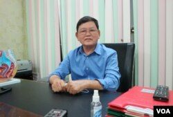 Dr. You Sophat, head of Kbal Thnal clinic, talked to VOA on how Cambodian health workers are prepared to handle COVID-19 spread in Phnom Penh, Cambodia, March 18th, 2020. (Kann Vicheika/VOA Khmer)