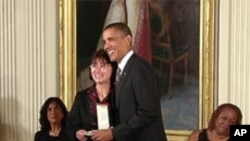 Betty Kwan Chinn odlikovana Predsjedničkom medaljom za svoju skrb oko beskućnika i siromaha
