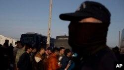 پولیس ایتالیا در جستجوی سه مظنون دیگر است