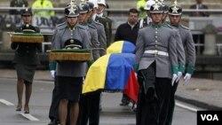 El ministro de la Defensa colombiana señaló que con estos actos, la guerrilla está violando todos los elementos de la justicia internacional.