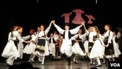 Efie Derksen na nastupu sa KUD 'Veselin Masleša' Banja Luka