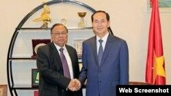 Chủ tịch nước Trần Đại Quang (phải) và Tổng thống Bangladesh Mohammad Abdul Hamid (Ảnh: VietnamPlus)