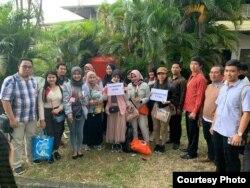 Sebagian warga asal Kalimantan Utara yang bersiap pulang selepas menjalani karantina di Natuna, Kepri. Courtesy: BPNP.